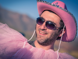 Носете розово, за да бъдете щастливи и млади